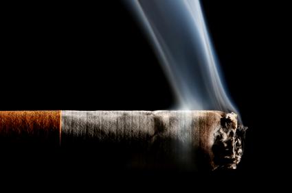 Hvordan man bedst muligt fjerner lugten af tobaks- og cigaretrøg i bilen